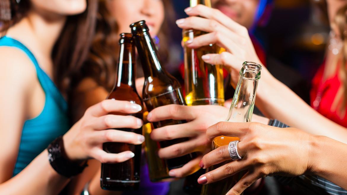 Dez motivos que levam o jovem a usar drogas e álcool