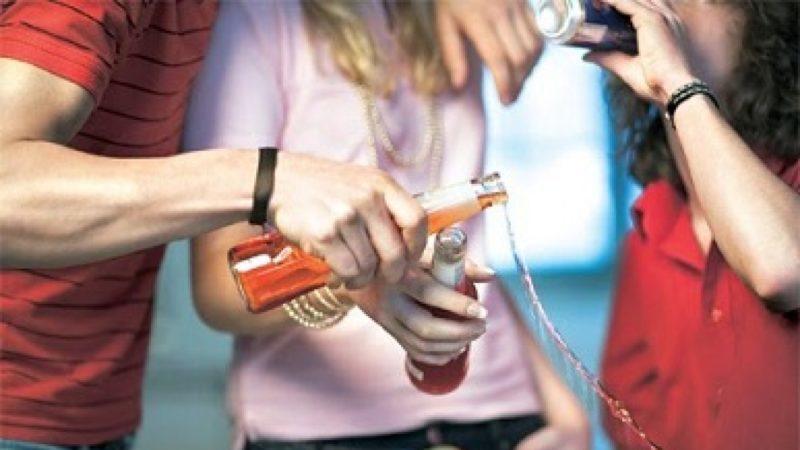 Verão, adolescentes, álcool e drogas