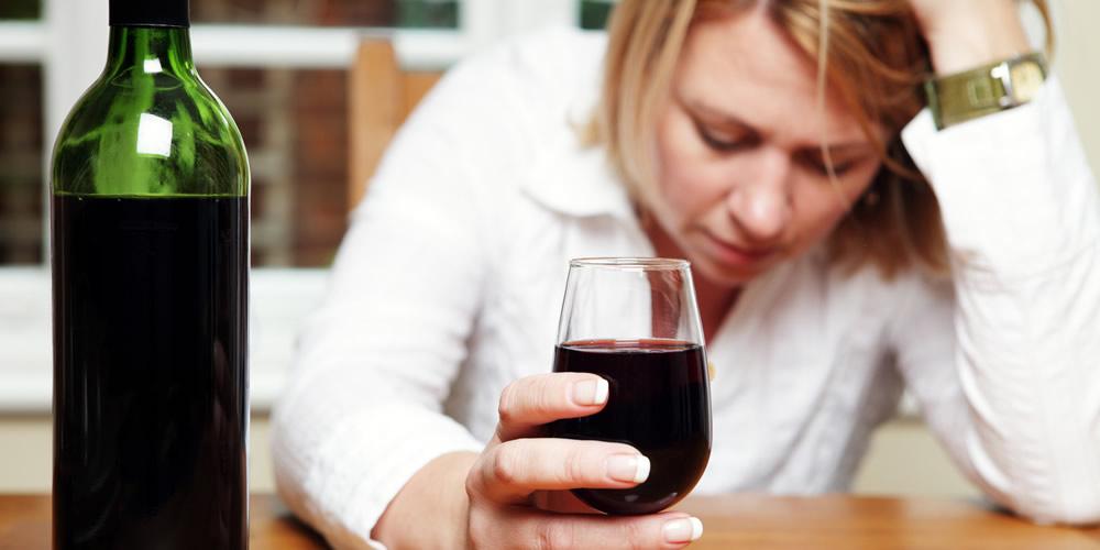 Consumo de álcool é mais prejudicial às mulheres