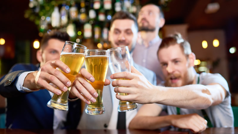 O excesso de álcool pode prejudicar a sua saúde